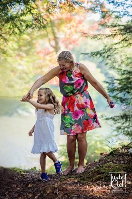 montreal family photographer grand mother daughter photo